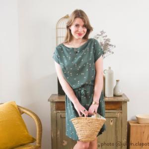 patron robe ou top facile à coudre modele Signac avec une épaule boutonnée